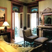 15Bed-and-Breakfast-Charleston,-SC-Living-Room