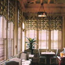 2Bed-and-Breakfast-Charleston,-SC-Breakfast-Room-Cropped