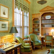 7Bed-and-Breakfast-Charleston,-SC-Library