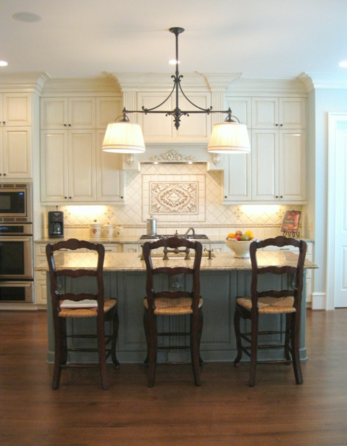 Who Enjoys Entertaining I Worked With My Client To Make The Kitchen