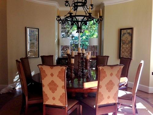 round dining room