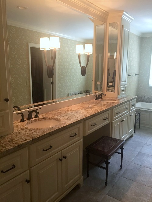 The construction on the master bath is complete! Next, accessories and artwork for the finishing touches.